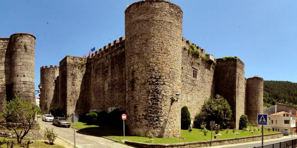 Castillo de Don Álvaro de la Luna o la triste condesa en Arenas de San Pedro