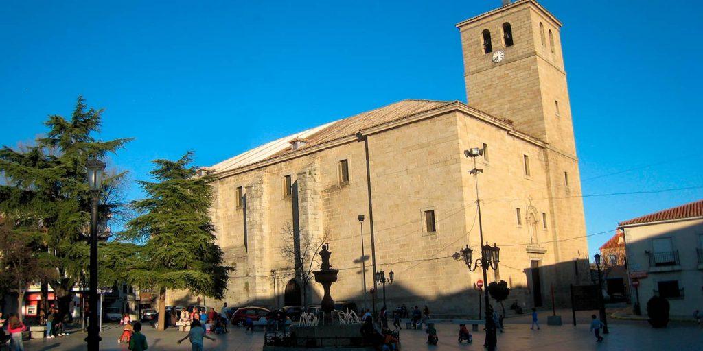 Iglesia de Santiago Apóstol en Cebreros
