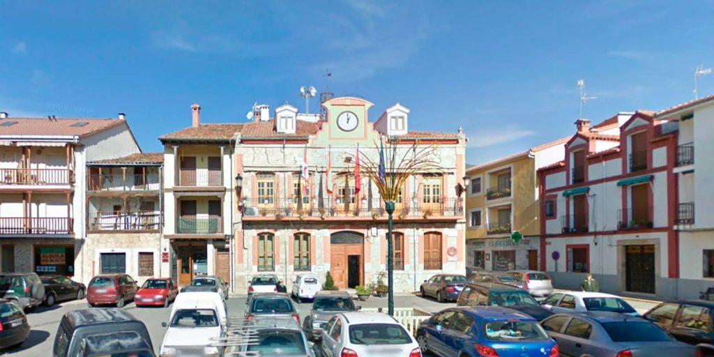 Plaza mayor de Candeleda