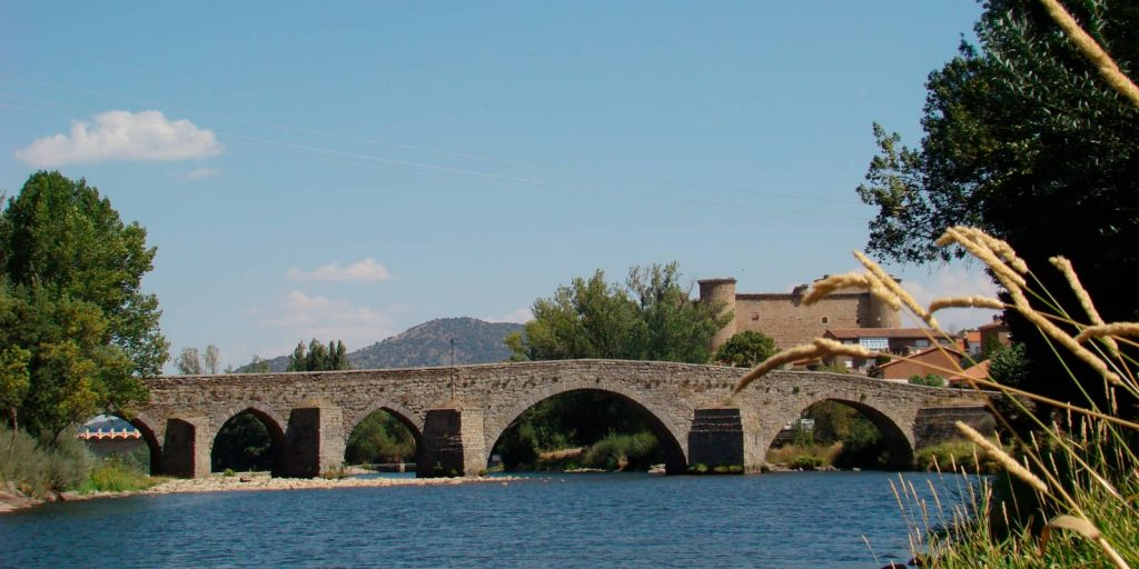 Puente románico en Barco de Ávila