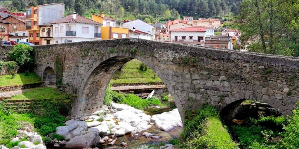 Puente romano en Arenas de San Pedro